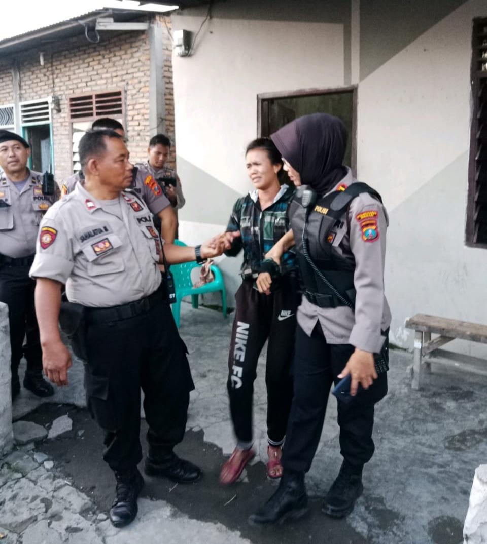 Sat Shabara Polrestabes Medan Grebek Kampung Narkoba