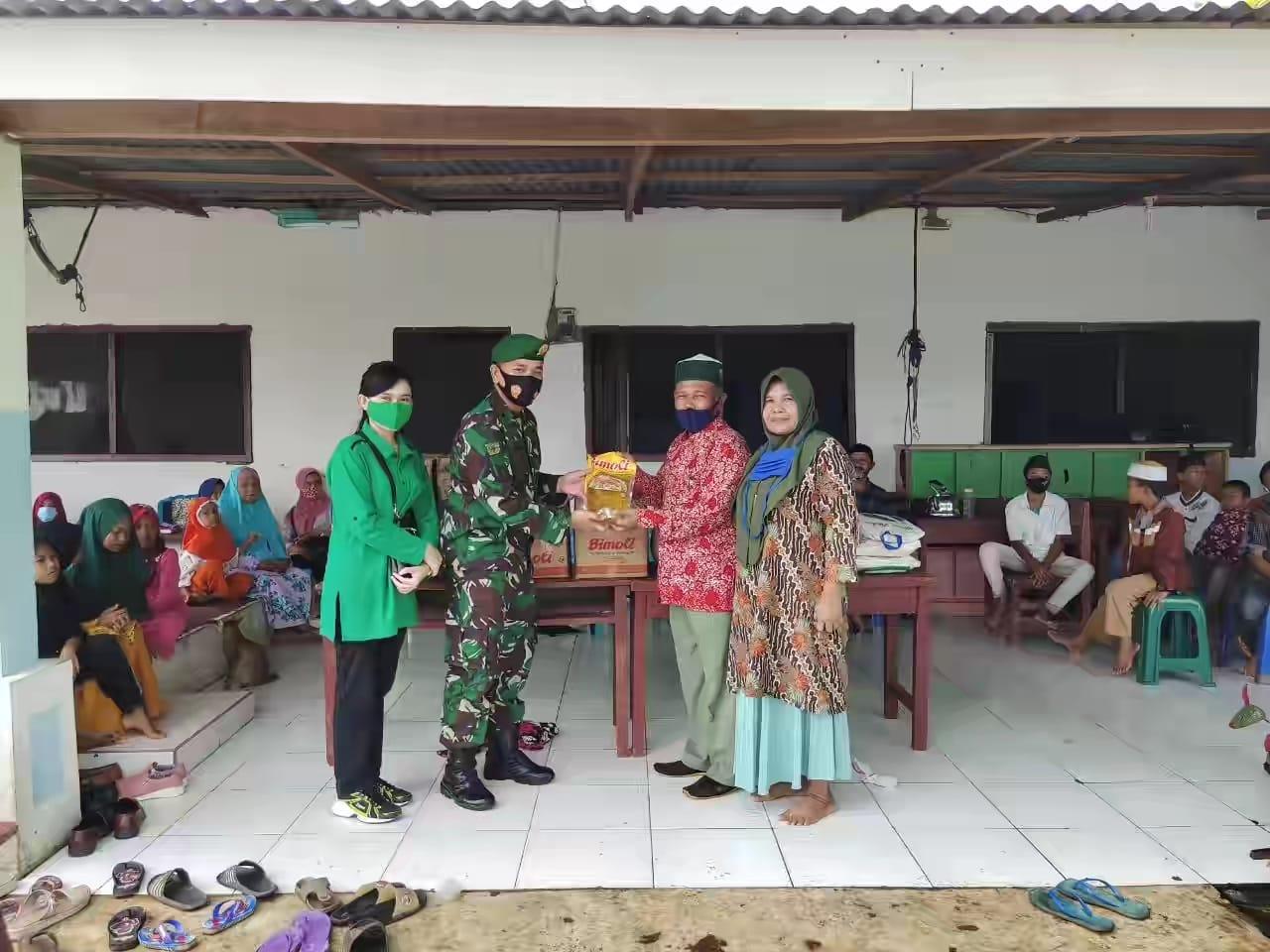 Jumat Barokah, Yonzipur 1/DD Berbagi Peduli di Panti Asuhan Al Munawaroh