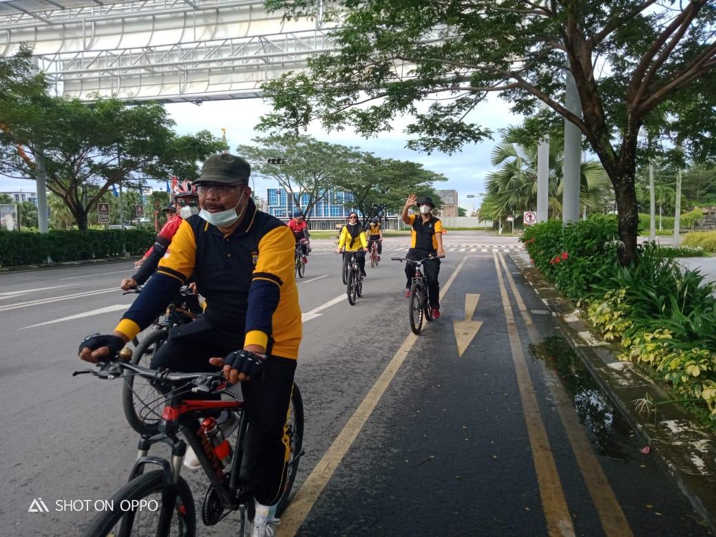 Personil Polsek Medan Area Gowes Bersepeda Patroli Mengililingi Kota Medan