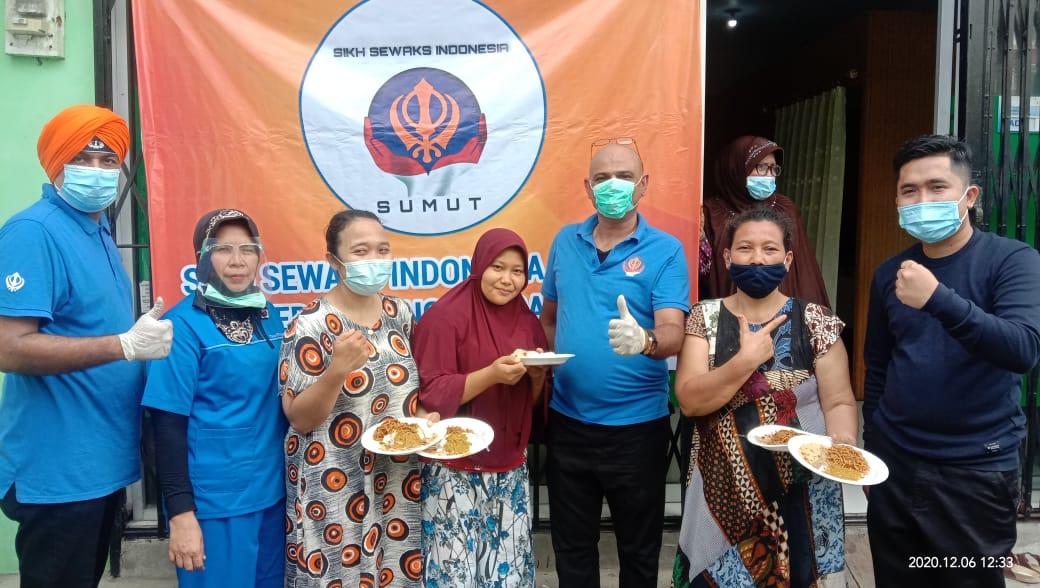Perkumpulan Sikh Sewaks Indonesia Sumut, Bagi 450 Nasi Siap Saji Kepada Warga Korban Banjir