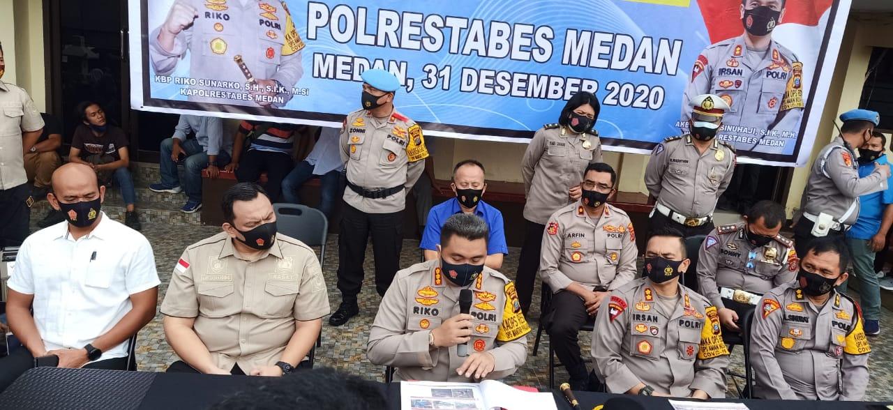 Kapolrestabes Medan Pimpin Konferensi Pers Akhir Tahun 2020
