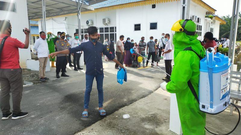 18 Orang Imigran Gelap di Serahkan Polres Batu Bara Ke RSUD Batu Bara Untuk di Karantina.