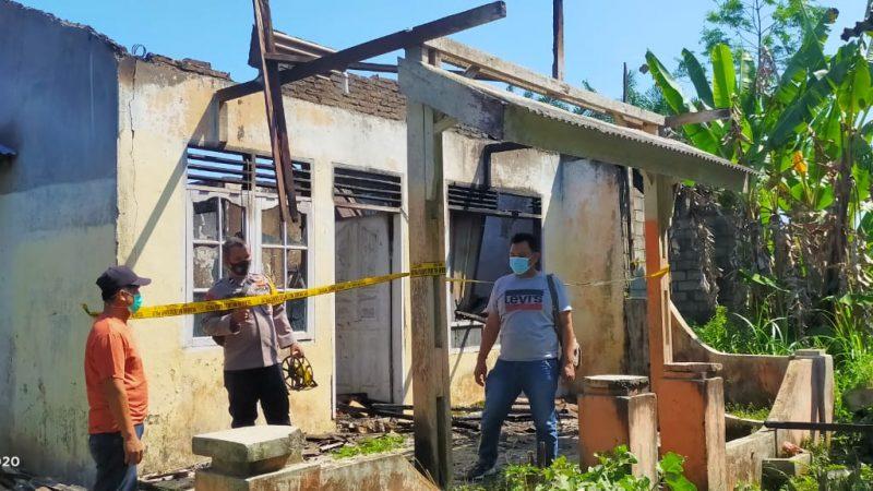 Perumahan Sumbul Lestari Kecamatan STM Hilir Ludes Terbakar Diduga Akibat Korsleting Listrik
