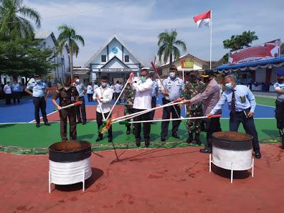 Kepala Rutan Kelas 1A Tanjung Gusta Theo Adrianus Purba Pimpin Pemusnahan Barang Bukti
