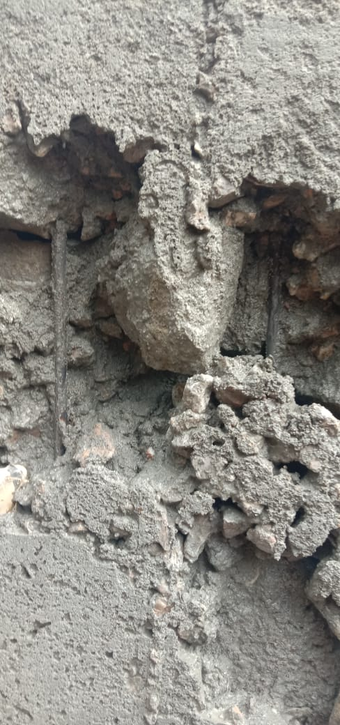 Cor Tiang Proyek Rehabilitasi Ruas Jalan Perpulungen – Kuta Babo Diduga Campur Batu Padas