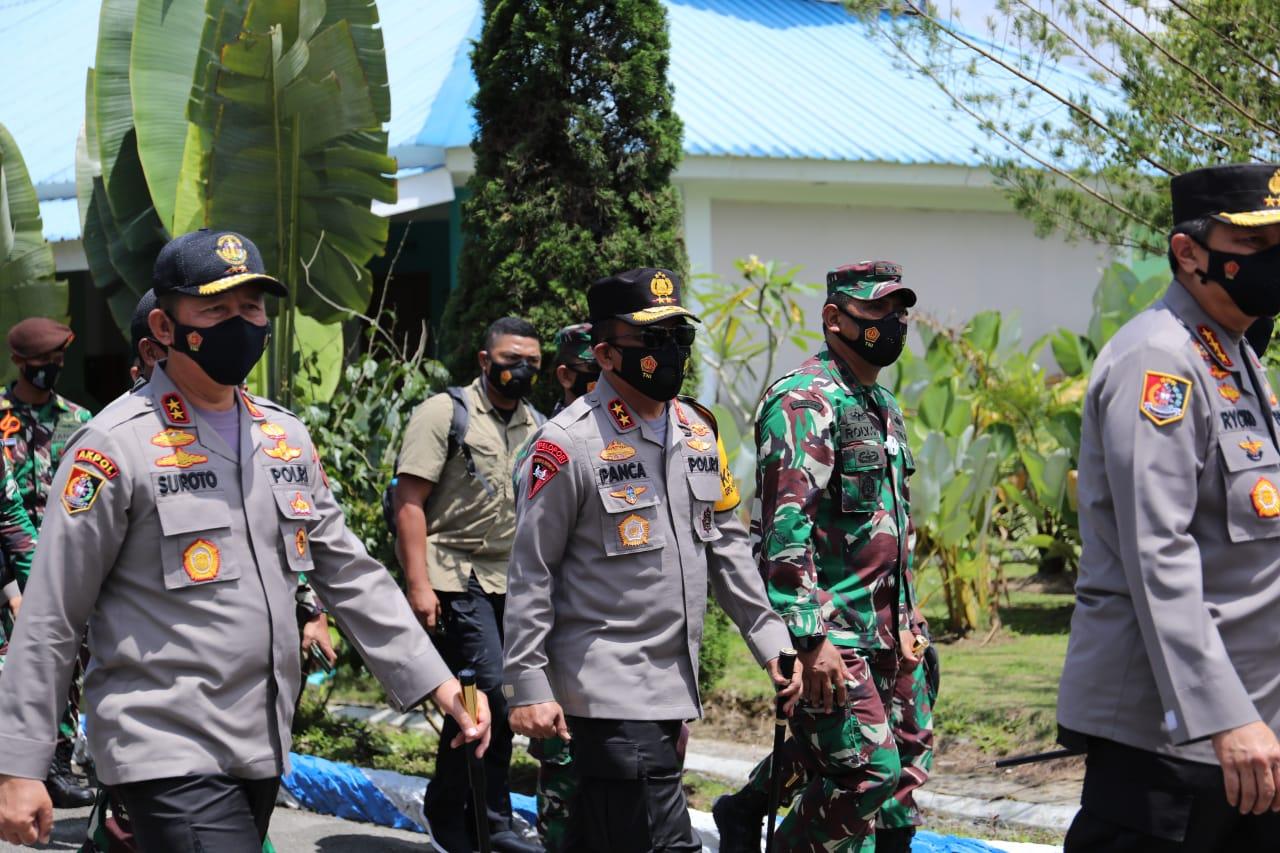 Kapoldasu Dampingi Kalemdiklat Polri dan Danjen Akademi TNI Tinjau Satlat Macan Latsitardanus XLI di Simalungun