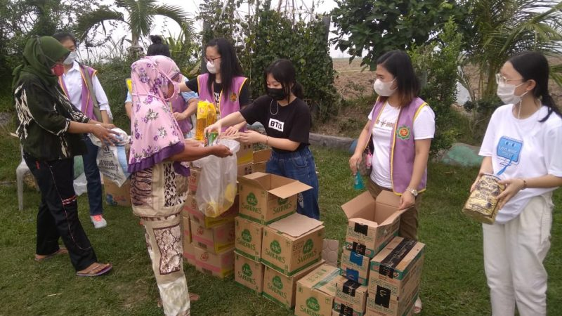 Sambut Bulan Suci Ramdhan 1442 H,Yayasan Anathapindika Medan Gelar Bakti Sosial Beri Bantuan 300 Penduduk Klumpang