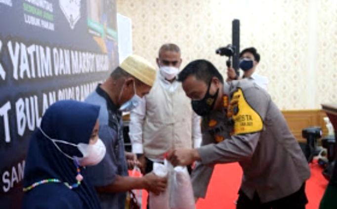 Kapolresta Deli Serdang Santuni Anak Yatim dan Marbot Masjid