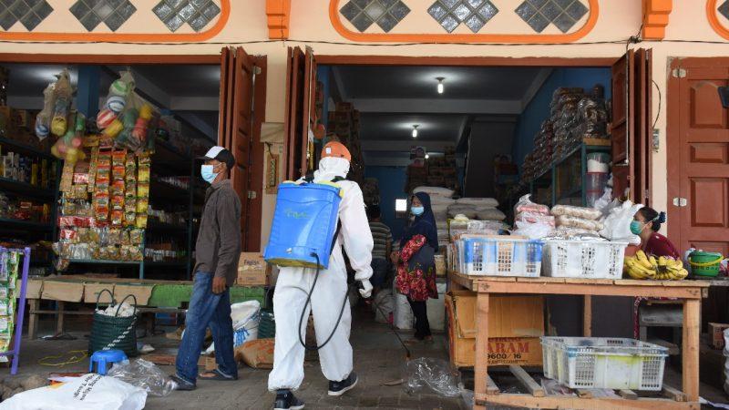 Tanggap Cegah Pandemi, Pemkab Sergai Gelar Penyemprotan Disinfektan Massal