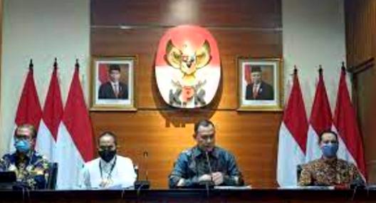 Sekda Pemkab Samosir Masih Aktif Kerja setelah 2 bulan jadi Tersangka, KPK Harus Lakukan Supervisi